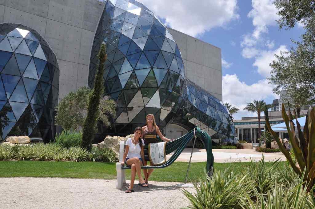 FHC Sprachreisen - Florida USA Dali Museum