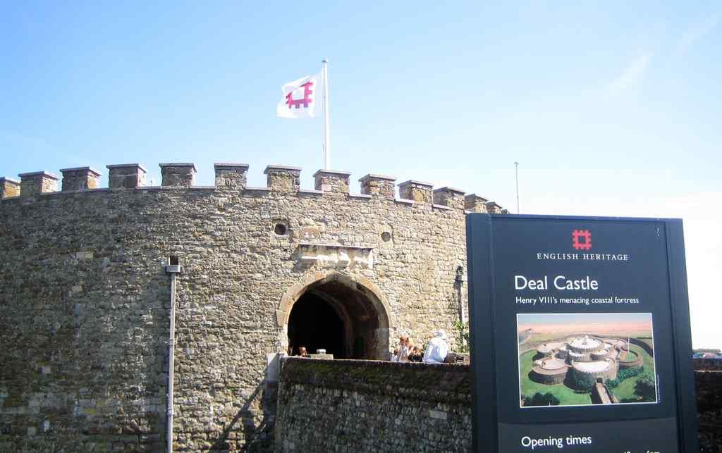 FHC Sprachreisen - Deal Castle England