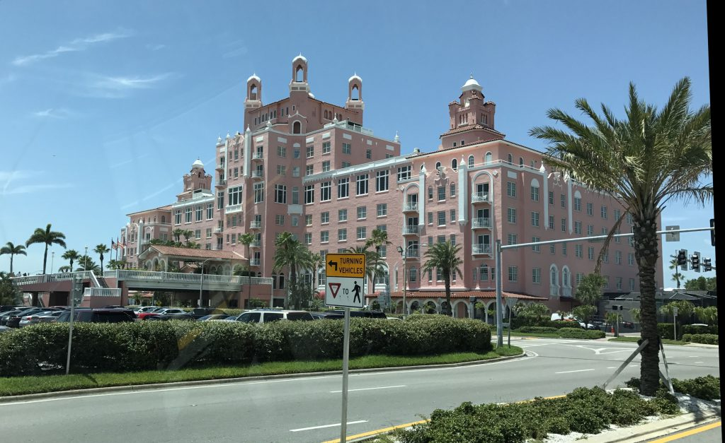 FHC Sprachreisen: The Don Cesar at St. Pete Beach